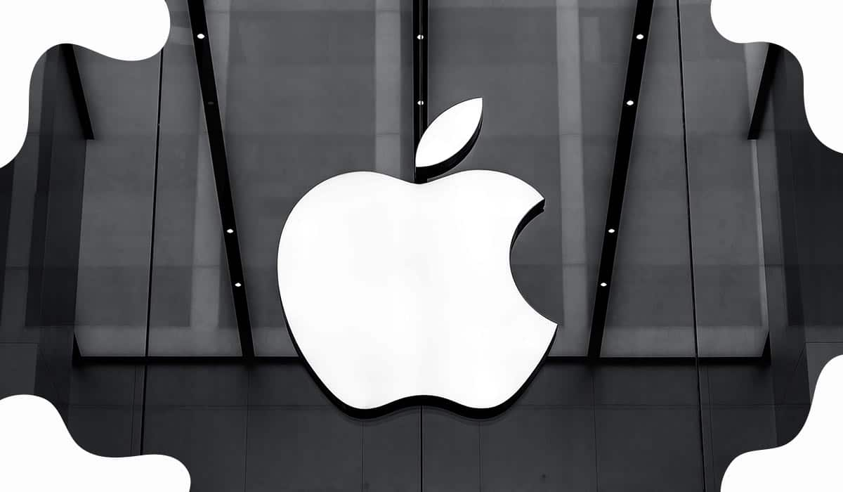 Apple Surges to over $2 Trillion Market Cap
